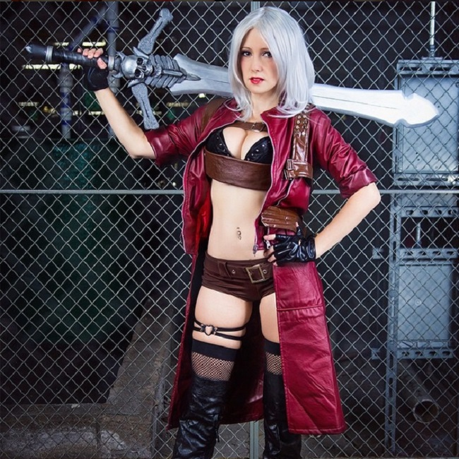 Devil May Cry: Miss Dante Cosplay by Raychul Moore