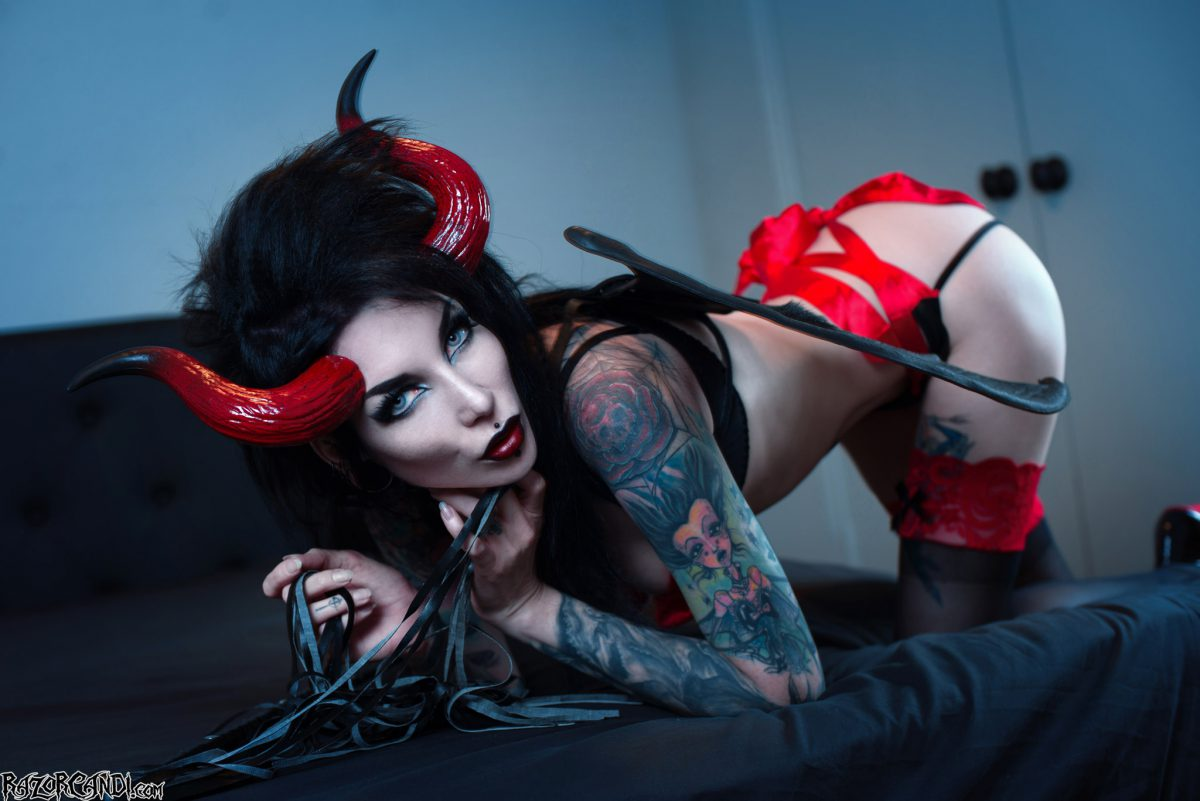 Submit To Succubus RazorCandi's Sinful Invitation